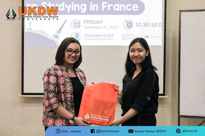 Studying in France: A Budget Friendly for Studying Abroad