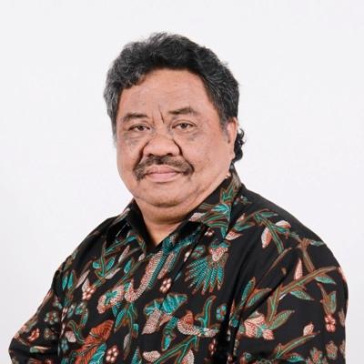 Dr. – Ing., Ir. Paulus Bawole, MIP.